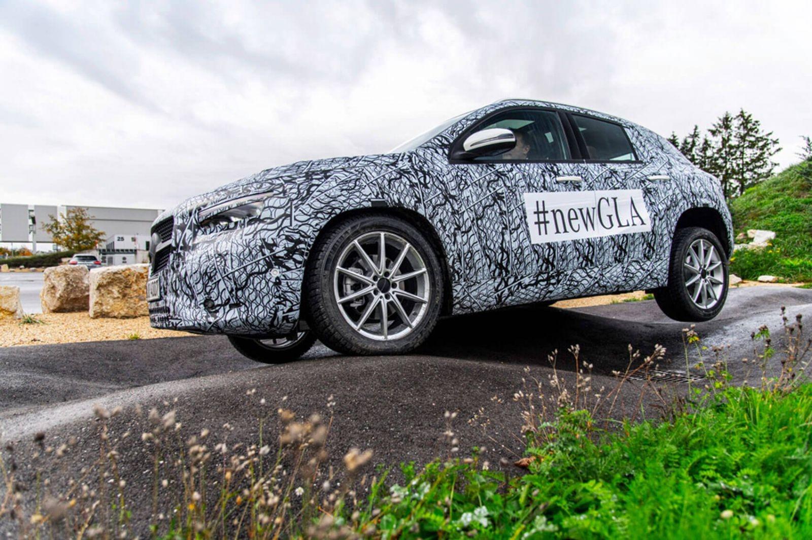 Mercedes Benz GLA thế hệ mới sẽ ra mắt ngày 11/12