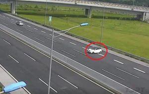 Kinh nghiệm lái xe trên cao tốc - Những lỗi thường gặp và cách phòng tránh!
